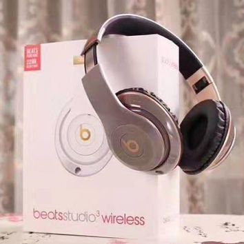Urbeats fashion casual bluetooth wireless headset MP3 music headset plugs into the TF card slot with the microphone cable