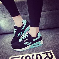 Running shoes women sneakers Lightweight Female Outdoor Athletic air Canvas Lovers walking sport tennis Trainers shoes