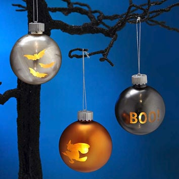 Lite Up Halloween Ornament Set