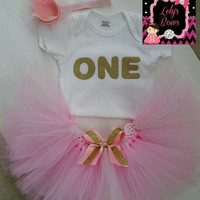 First Birthday Outfit Girl, 1st Birthday Girl Outfit,Onesuit tutu and headband set, Pink and Gold tutu, gold glitter One