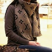 Onewel LV Louis Vuitton Classic Hot Sale Warm Cashmere Cape Tassel Scarf Scarves Shawl Accessories