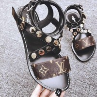 Louis Vuitton Ladies flat-soled beach shoes comfortable simple sandals