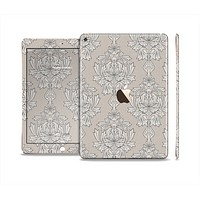 The Seamless Tan Floral Pattern Skin Set for the Apple iPad Pro