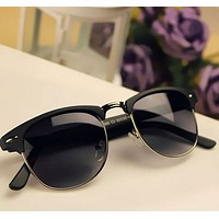 Vintage Retro Design Sunglasses