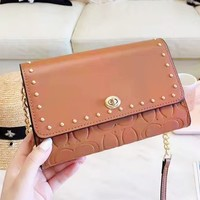 Coach fashion embossed clamshell shoulder bag hot seller of casual ladies shopping bag