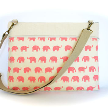 """Pink Elephants Laptop Bag fits 13.3"""" MacBooks Padded Laptop Case with Strap"""