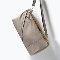 Duffle bag with buckle