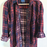 Vintage Flannel Shirt -- 90s Flannel -- Red & Blue Plaid -- Button Up Work Shirt -- Long Sleeve -- Soft Thin Flannel -- Unisex Small Medium