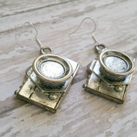 Camera Drop Earrings / Photography Gifts / Retro Style Earrings / Statement Earrings / Camera Shape Charms / Camera Jewelry