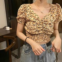【Final Sale】HyunA Style Floral Print Cropped Top