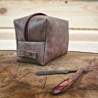 Leather Dopp Kit, Personalized, Travel bag, set of 8, groomsmen gift, Shaving bag, cracked effect, leather pouch, toiletry & cosmetic bag,