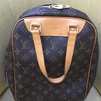 DCCK8 Louis Vuitton Monogram Excursion Shoe Bag M41450