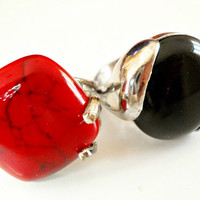 Coral and Onyx Rings Stainless Steel Vintage sz 8