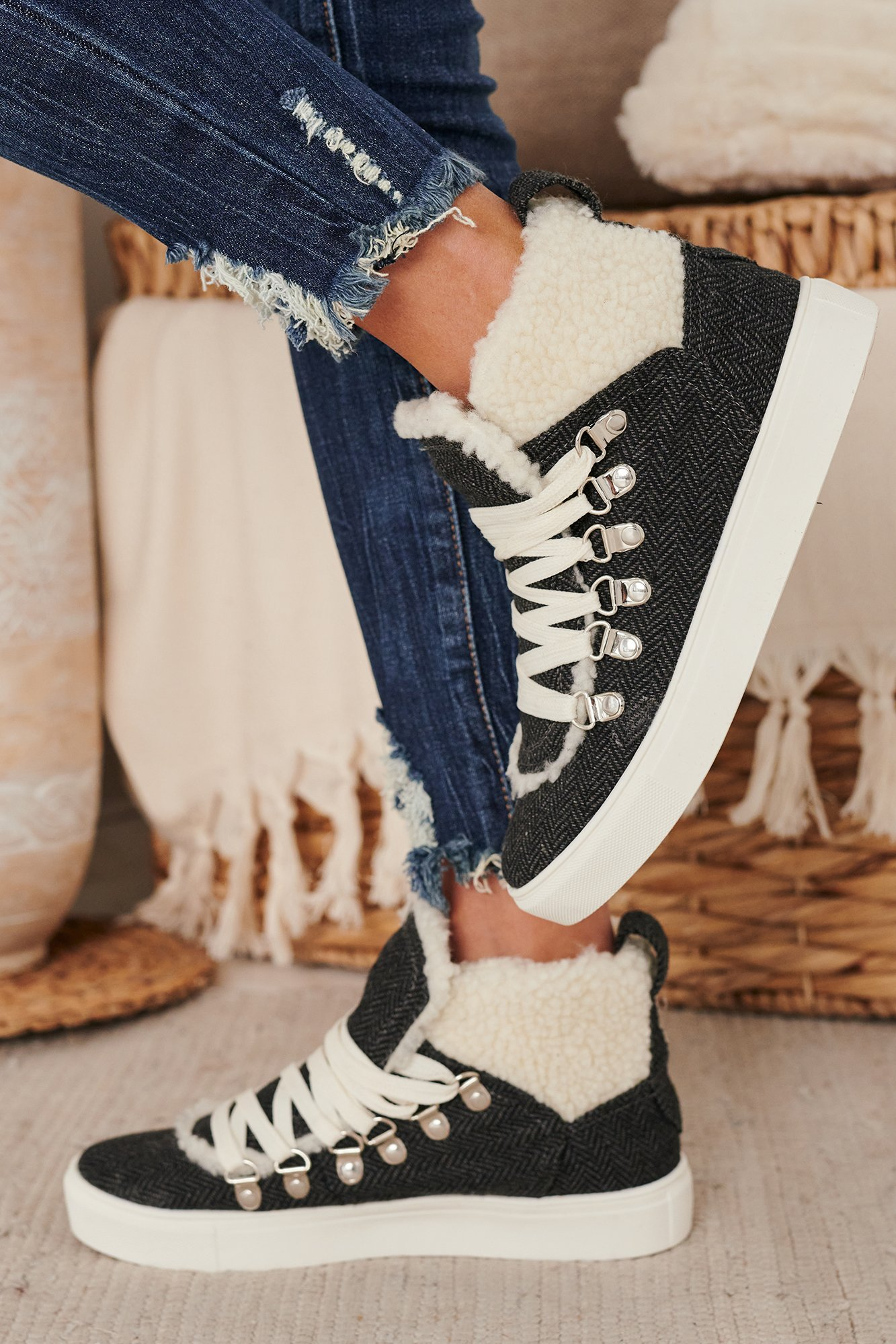 Image of Magnolia Sherpa Sneakers (Charcoal)