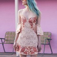 Fashion Sexy Strap V-Neck Strapless Bat Sleeve Embroidery Flower Lace Mini Dress