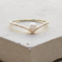 V Pearl Ring - Gold