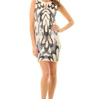 JD279 Gorgeous party dress with key hole at front and sequin