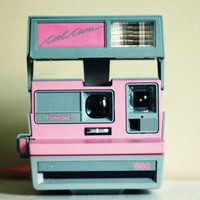 VINTAGE POLAROID 600 COOL CAM Pink and Gray w/ carrying case