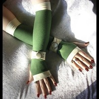 Sairina's Song Spat Arm Warmers Olive Green w/ by ZenAndCoffee
