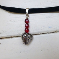 Beaded heart pendant, beaded pendant necklace, togle clasp, velvet cord, velvet necklace, heart necklace, women's gift idea, jewelry gift