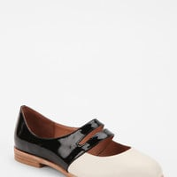 Urban Outfitters - Jeffrey Campbell Two-Tone Skimmer