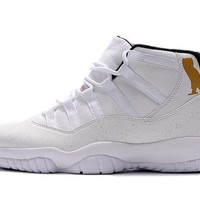 Air Jordan Retro 11 White Black Cat Owl Basketball Shoes Men 11s Black Cat Sports Sneakers High Quality With Shoes Box