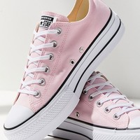 Converse Chuck Taylor Platform Lo Lift Sneaker | Urban Outfitters