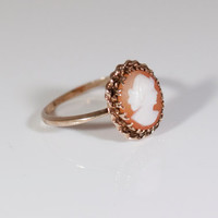 Gorgeous 14k Yellow Gold Cameo Ring --315