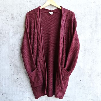 Final Sale - Dreamers by Debut Cable Knit Open Cardigan - Burgundy