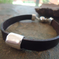 UNISEX brown leather strap with magnet