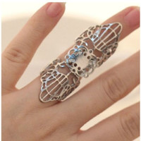 Vintage Fashion Hollow Flower Ring (size 7)