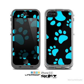 The Black & Turquoise Paw Print Skin for the Apple iPhone 5c LifeProof Case