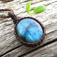 Labradorite Necklace  / Stone Pendant /  Blue Fire / Healing crystals / Hippie chic Necklace / Kundalini / labradorite meaning / Arrow /