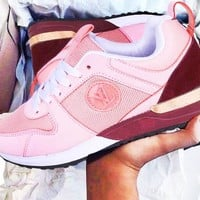 LV Louis Vuitton Hot Sale Women Men Fashionable Sport Shoes Couple Sneakers Pink/Burgundy