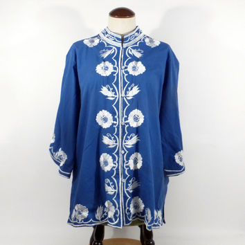 Embroidered Blouse Shirt 1970s Vintage Blue and White Nehru Women's size XL