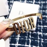 DIOR Fashion Woman Letter Bracelet Hand Catenary Accessories Jewelry