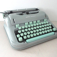 Hermes 3000 Typewriter A Great Working Typewiter With Manual, Brushes and More