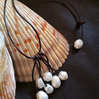 Genuine Freshwater Cluster Pearl and Leather necklace