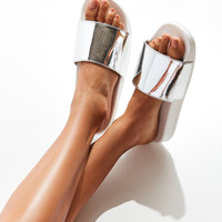 Cape Robbin Silver Pool Slide | Urban Outfitters