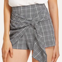 Knotted Overlap Front Plaid Shorts
