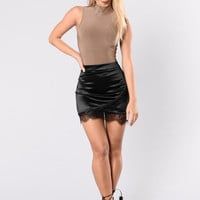 Total Babe Skirt - Black