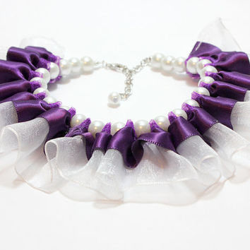 Pearl and Ribbon Dog Cat Collar. Pearl Dog Collar with White Glass Pearls and Dark Purple Ribbon and White Organza Ribbon. Frilly Cat Collar