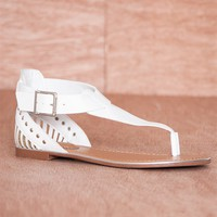 Breckelles Heel Of A Time Woven Heel T-Strap Thong Sandals Jovie-21 - White