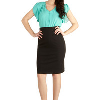 ModCloth Pinup Mid-length Pencil Big City Shopping Skirt in Black