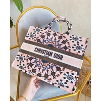 Wearwinds DIOR sells embroidered woven alphabet logo for women to carry shopping shoulder bag