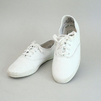 Womens White Leather Sneaker Oxfords Size 8.5 Wide Width