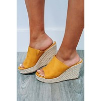 Talk About Me Wedges: Mustard