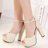 Women Classical Shoe On Sale = 4552661636