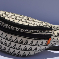 New !  Fanny pack: black triangle , belt pouch, travel pouch, READY4 SHIPPING, hip bags, waist bags, hip pouch, belt pouches, canvas pouch