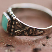 Vintage 50s Southwestern // Crossed Arrows Turquoise Ring // Native American // Sterling Silver // Midi Knuckle // Size 4
